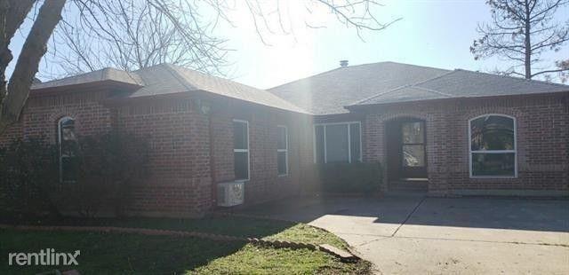 4 Bedrooms, Timber Creek Park Estates Rental in Denton-Lewisville, TX for $2,930 - Photo 1