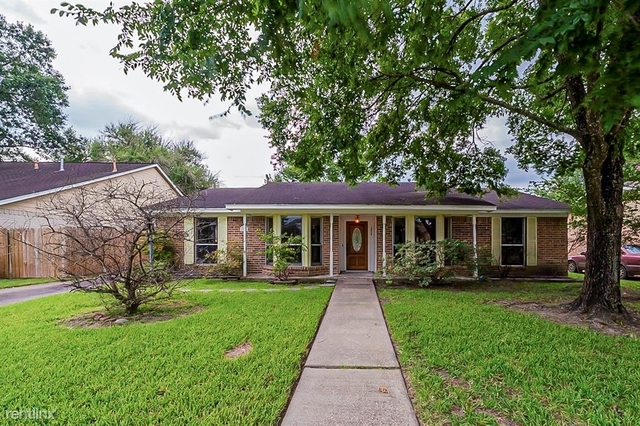 3 Bedrooms, Atascocita Forest Rental in Houston for $2,160 - Photo 1