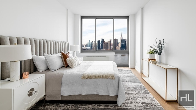 1 Bedroom, Hunters Point Rental in NYC for $3,695 - Photo 1