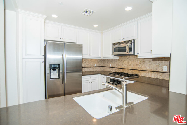 2 Bedrooms, Westchester Rental in Los Angeles, CA for $3,800 - Photo 1