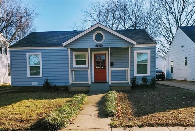 3 Bedrooms, Arlington Heights Rental in Dallas for $2,400 - Photo 1