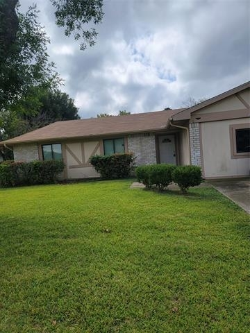 3 Bedrooms, Star Crest Rental in Dallas for $1,900 - Photo 1
