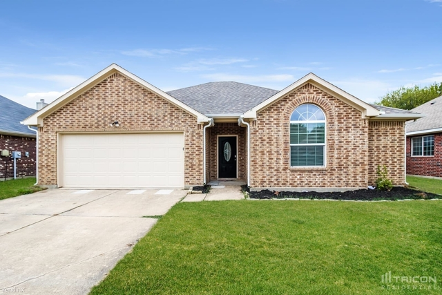 3 Bedrooms, East Hampton Village Rental in Denton-Lewisville, TX for $1,849 - Photo 1