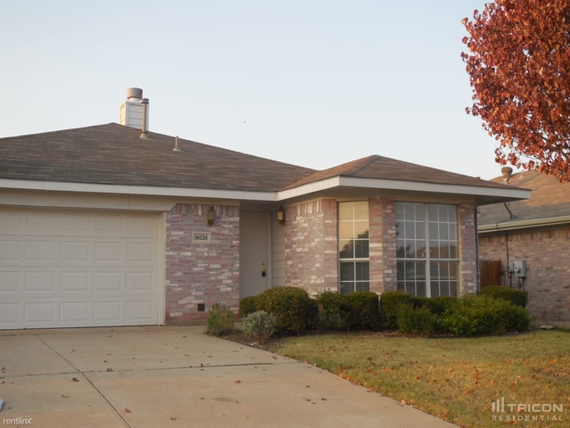 3 Bedrooms, Chapel Creek Rental in Dallas for $1,799 - Photo 1