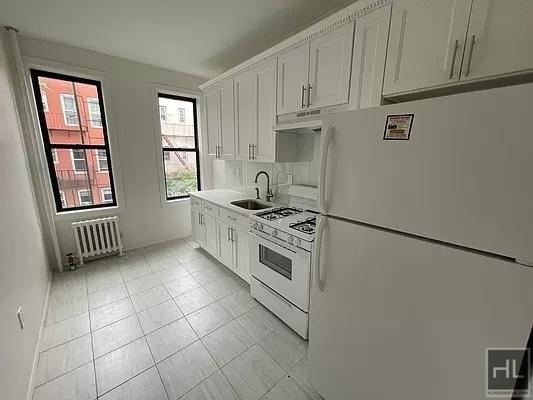 1 Bedroom, Astoria Rental in NYC for $3,550 - Photo 1