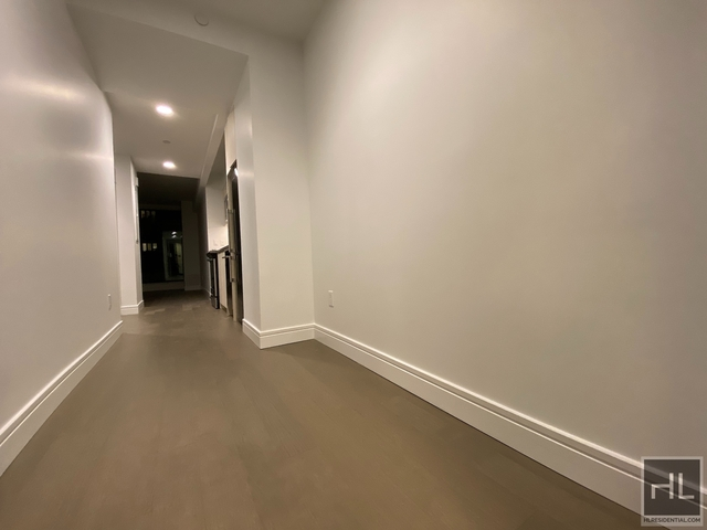 1 Bedroom, Long Island City Rental in NYC for $3,995 - Photo 1