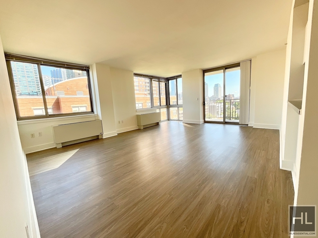 3 Bedrooms, Hunters Point Rental in NYC for $6,352 - Photo 1