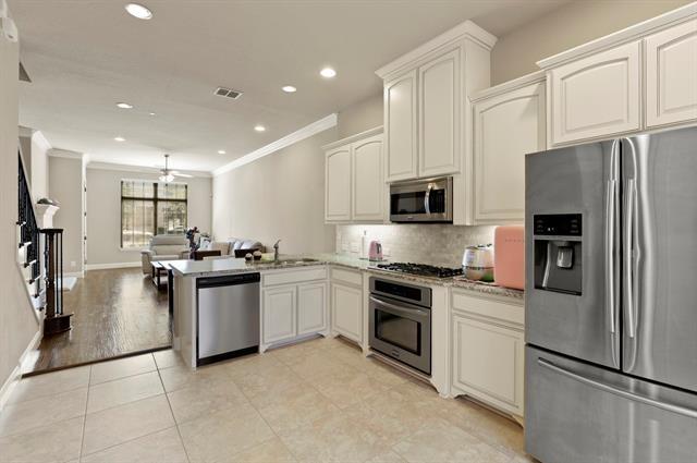 3 Bedrooms, Villas at Lake Vista Rental in Denton-Lewisville, TX for $2,700 - Photo 1