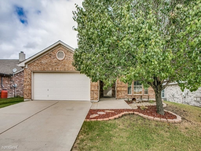 3 Bedrooms, Fort Worth Rental in Dallas for $1,920 - Photo 1