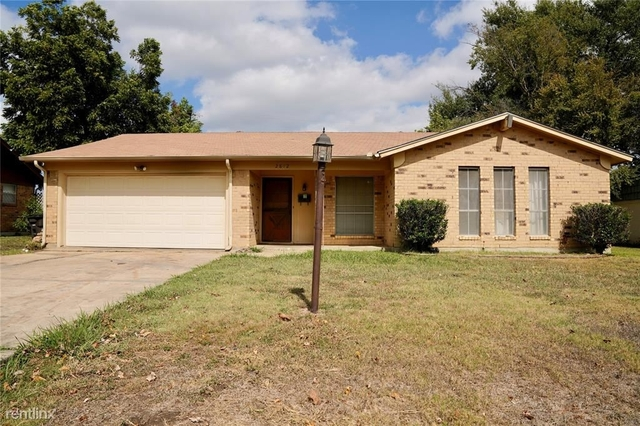 3 Bedrooms, Western Trails Rental in Dallas for $1,780 - Photo 1
