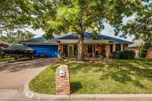 3 Bedrooms, Waxahachie Rental in Dallas for $2,170 - Photo 1