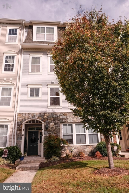 3 Bedrooms, Montgomery Rental in Washington, DC for $2,850 - Photo 1