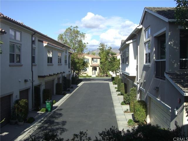 2 Bedrooms, Santa Rosa Rental in Los Angeles, CA for $2,950 - Photo 1