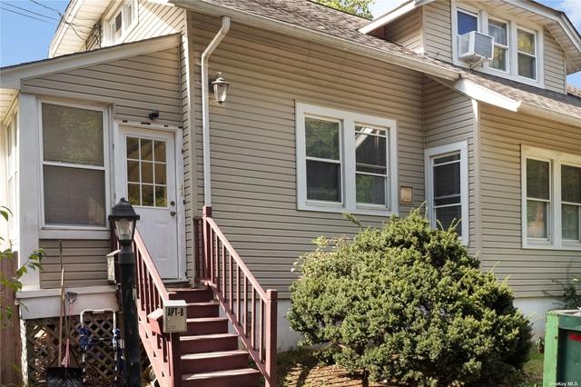 2 Bedrooms, Babylon Rental in Long Island, NY for $2,600 - Photo 1