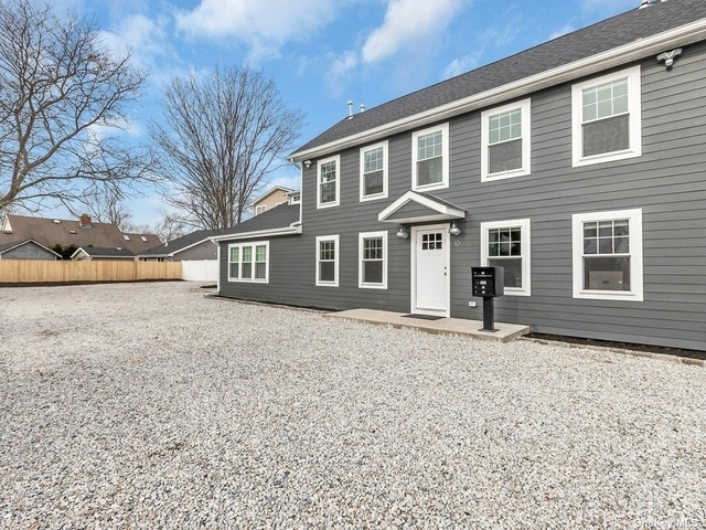 Studio, Babylon Rental in Long Island, NY for $2,100 - Photo 1