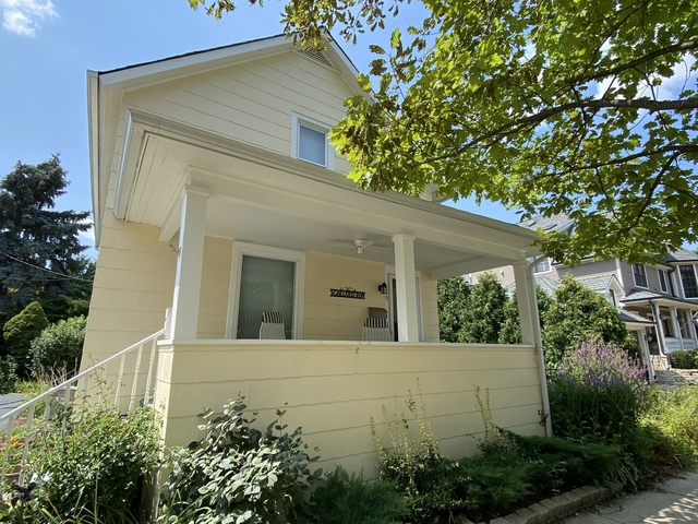 2 Bedrooms, Downtown Naperville Rental in Chicago, IL for $2,600 - Photo 1