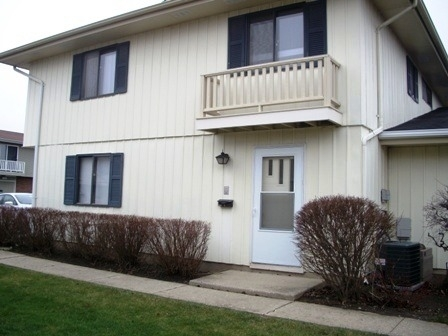 2 Bedrooms, Schaumburg Rental in Chicago, IL for $1,500 - Photo 1