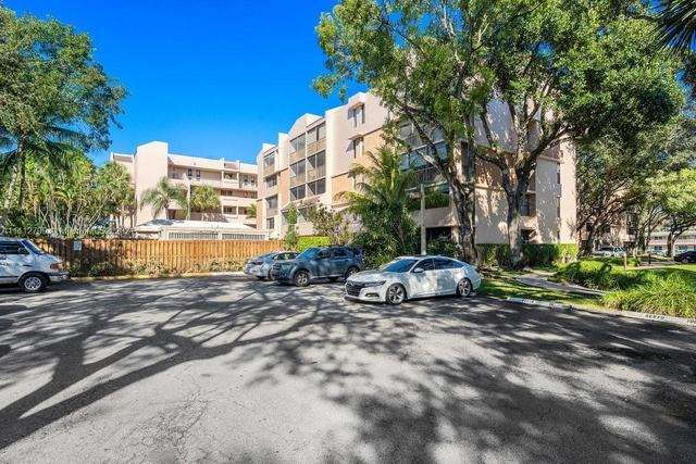 2 Bedrooms, Plantation Place Condominiums Rental in Miami, FL for $2,100 - Photo 1