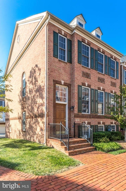 3 Bedrooms, Old Courthouse Rental in Washington, DC for $3,650 - Photo 1