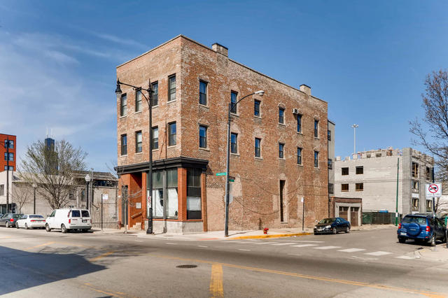 3 Bedrooms, East Pilsen Rental in Chicago, IL for $2,200 - Photo 1