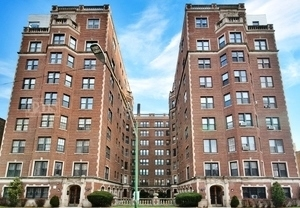 2 Bedrooms, South Shore Rental in Chicago, IL for $1,500 - Photo 1