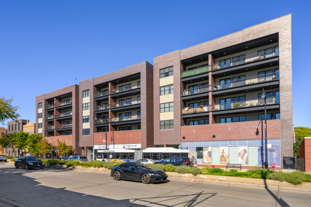 2 Bedrooms, North Center Rental in Chicago, IL for $2,950 - Photo 1