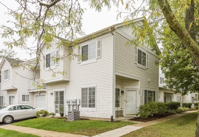 2 Bedrooms, Fox Valley Rental in Chicago, IL for $1,950 - Photo 1