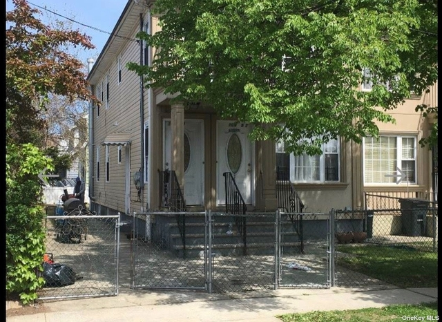 3 Bedrooms, Queens Village Rental in Long Island, NY for $2,100 - Photo 1