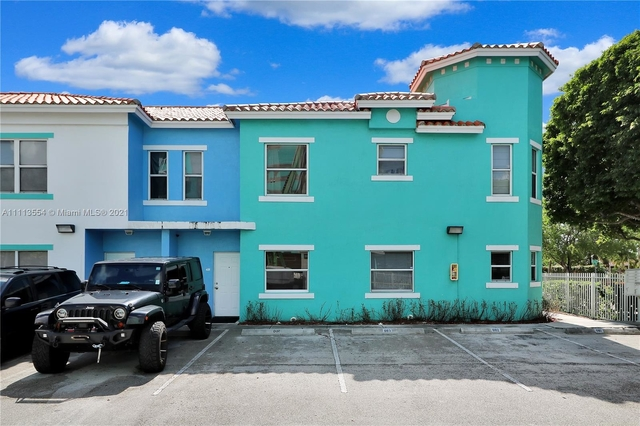 2 Bedrooms, Treasure Island Commercial Rental in Miami, FL for $2,500 - Photo 1
