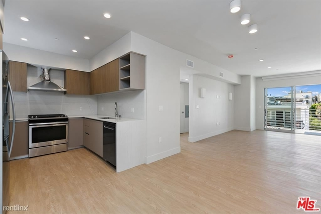 3 Bedrooms, Brentwood Rental in Los Angeles, CA for $6,100 - Photo 1