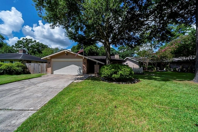 3 Bedrooms, Fairfax Village Rental in Houston for $1,950 - Photo 1
