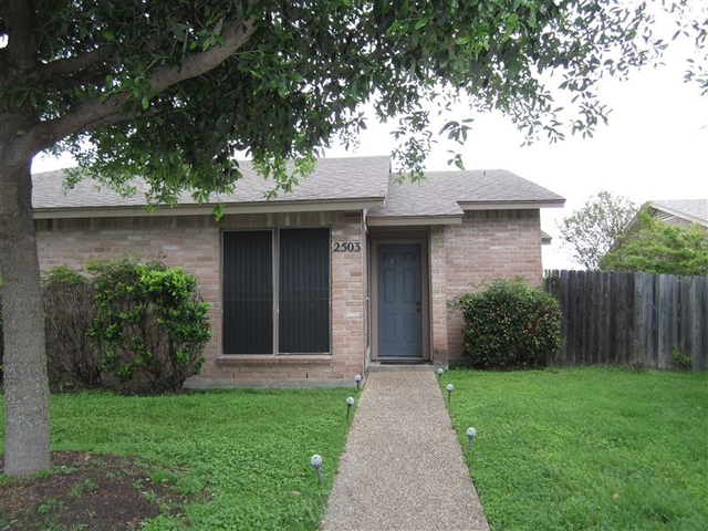 2 Bedrooms, Southwest Crossing Rental in Bryan-College Station Metro Area, TX for $800 - Photo 1