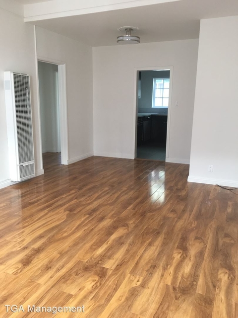2 Bedrooms, Hollywood Studio District Rental in Los Angeles, CA for $2,000 - Photo 1
