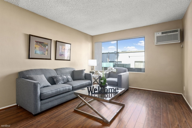 1 Bedroom, Sherman Oaks Rental in Los Angeles, CA for $1,960 - Photo 1