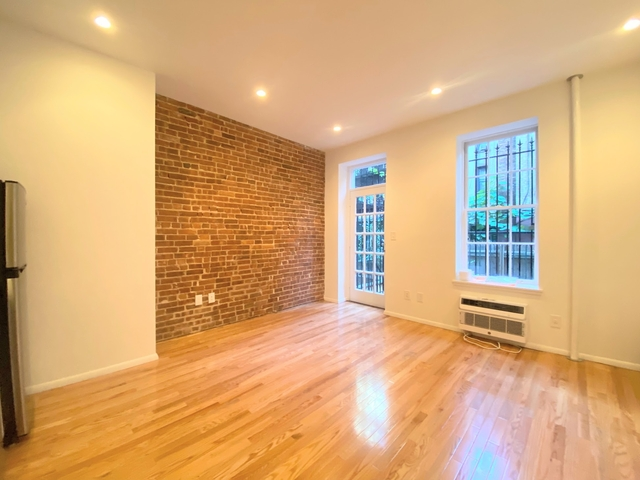 3 Bedrooms, Upper East Side Rental in NYC for $6,295 - Photo 1