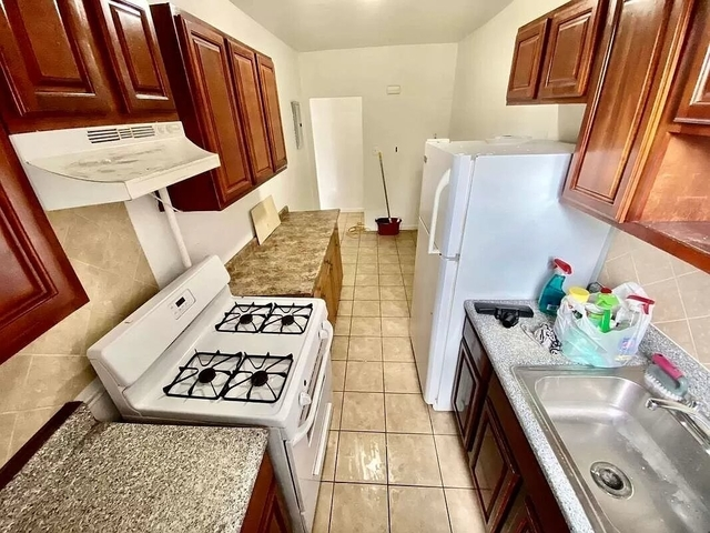 3 Bedrooms, USA Rental in  for $2,350 - Photo 1