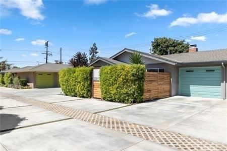 2 Bedrooms, Eastside Costa Mesa Rental in Los Angeles, CA for $3,500 - Photo 1