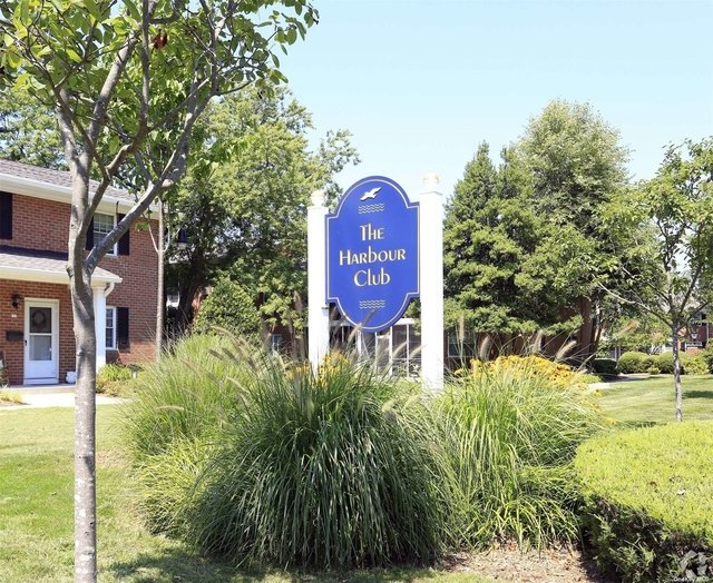 1 Bedroom, West Babylon Rental in Long Island, NY for $2,105 - Photo 1