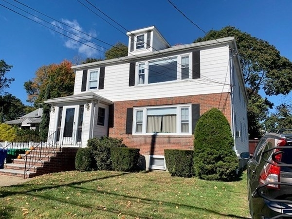 3 Bedrooms, Newtonville Rental in Boston, MA for $2,600 - Photo 1