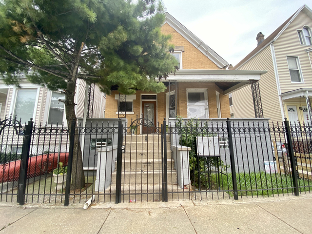2 Bedrooms, Hermosa Rental in Chicago, IL for $1,400 - Photo 1