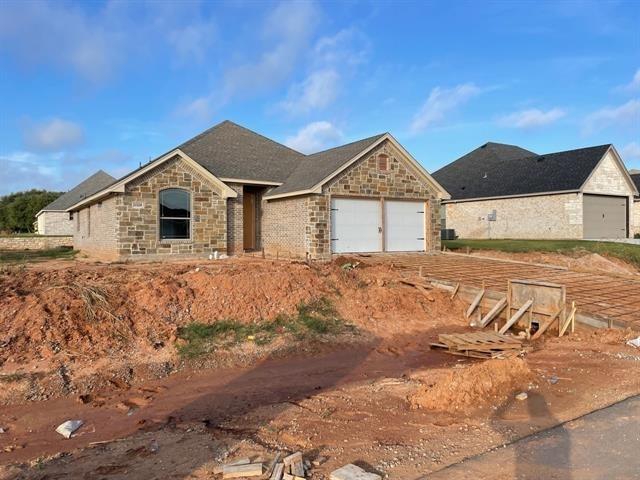 3 Bedrooms, Granbury East Rental in Granbury, TX for $1,895 - Photo 1
