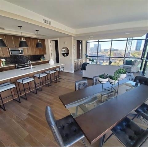 3 Bedrooms, Victory Park Rental in Dallas for $8,040 - Photo 1
