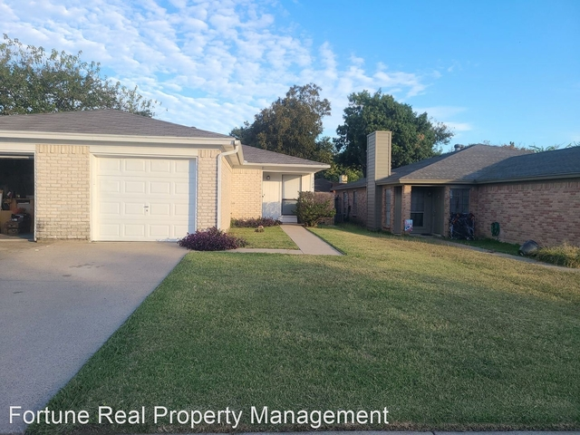 2 Bedrooms, Fort Worth Rental in Dallas for $1,250 - Photo 1