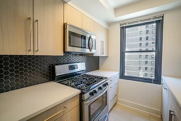1 Bedroom, Hell's Kitchen Rental in NYC for $4,344 - Photo 1