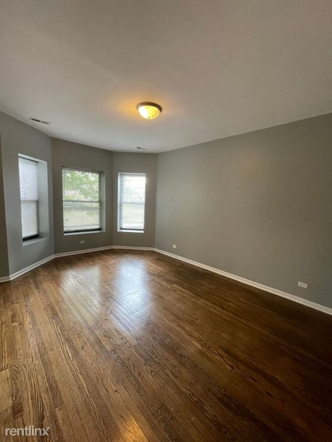 2 Bedrooms, Washington Park Rental in Chicago, IL for $1,400 - Photo 1