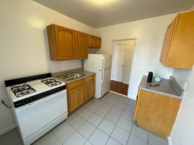 Studio, Crown Heights Rental in NYC for $1,400 - Photo 1