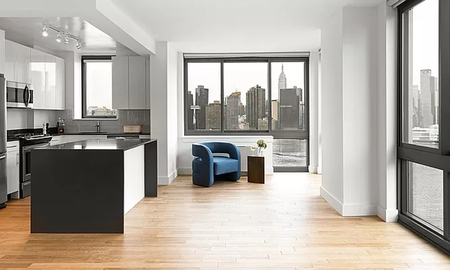 2 Bedrooms, Hunters Point Rental in NYC for $6,412 - Photo 1