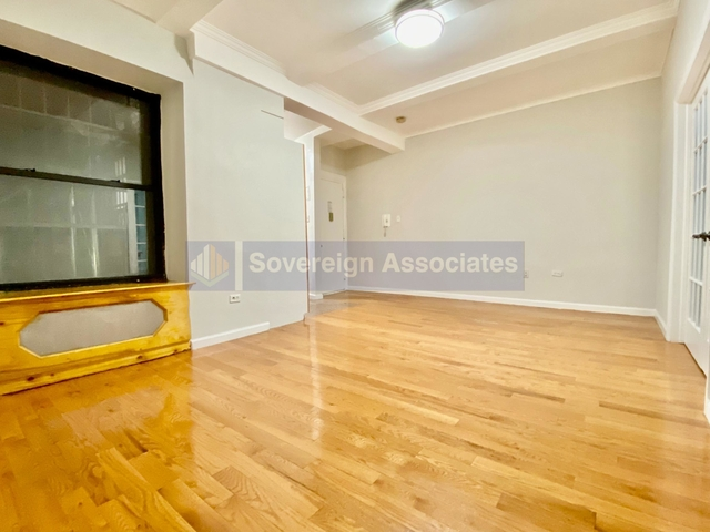2 Bedrooms, Lincoln Square Rental in NYC for $3,392 - Photo 1