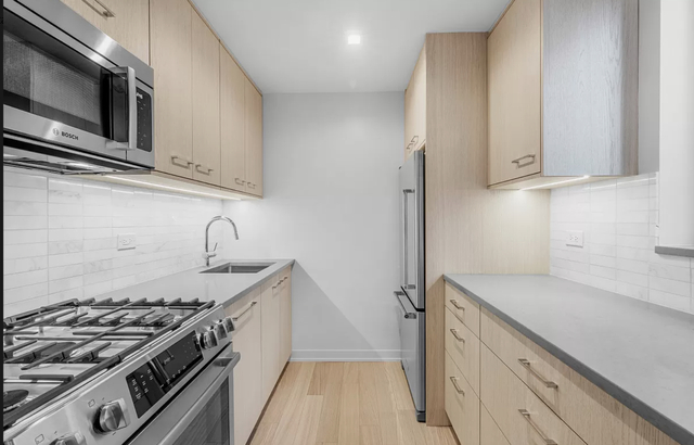 Studio, Hell's Kitchen Rental in NYC for $3,600 - Photo 1