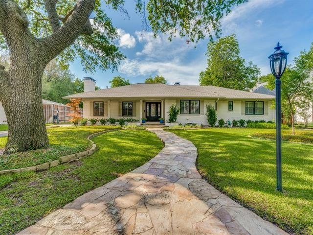 3 Bedrooms, Forest Court Rental in Dallas for $8,500 - Photo 1